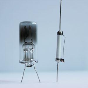 高壓鈉燈內觸發器